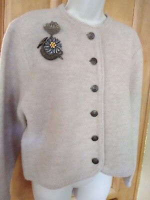women lady trachten dirndl wool sweater biege goldtone decorative buttons short