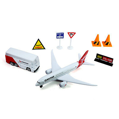 Qantas Airport Small Play Set Activity Die-cast Aircraft and Bus Toy Model