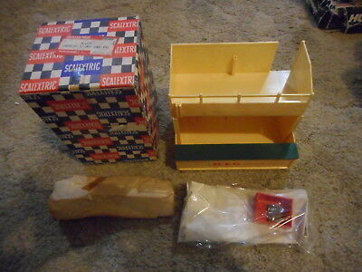 Scalextric Owner's Stand and Pit A/203 MIB