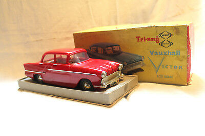 Boxed Vintage Red Triang Minic Electric Vauxhall Victor 1/20 Scale