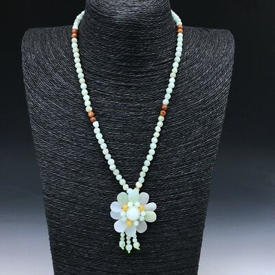Chinese natural jade pure hand-carved necklace is very beautiful.  w200