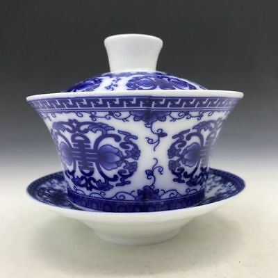 Collect Chinese blue and white porcelain tea sets.    b170