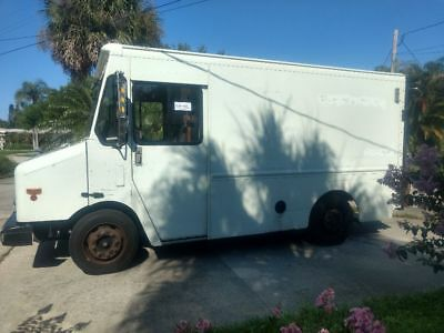 2002 Workhorse P42 Stepvan with 6.5 Liter Turbocharged Diesel and a Liftgate