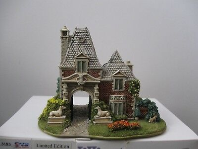 """Lilliput Lane L3183 """"The Hare & Hounds"""" MIB with deed. Ltd. Edition #751/995"""