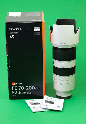 Sony FE 70-200mm f2.8 GM OSS Master Zoom Lens with Case & Box.  Excellent