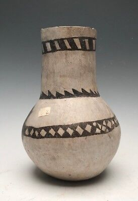 Large, Early Anasazi, Chaco Black on White Tall Neck Jar. NO RESERVE (1075 AD)