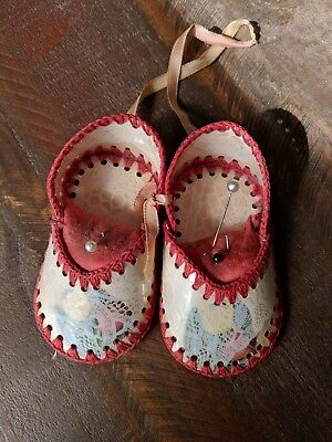 VINTAGE Pin Cushion Pair of Baby Shoes Handmade Crocheted Greeting Card Craft