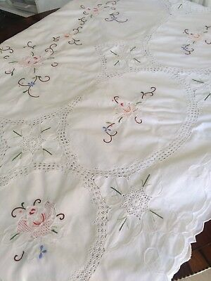 Beautiful Large Rectangle Vintage Hand Embroidered Linen Tablecloth lace/crochet
