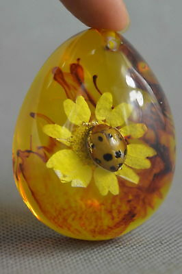 Collection Handwork Amber Inner Inlay Insect & Flower Auspicious Fashion Pendant