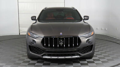 Maserati Levante 3.0L 2017 Maserati Levante, Luxury Package, Panoramic Roof, Vented Seats, Wow!