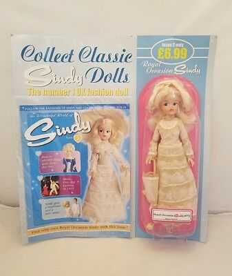 New 2007 Royal Occasion Blonde Sindy 1977 Doll on Original Card + Hat/Umbrella