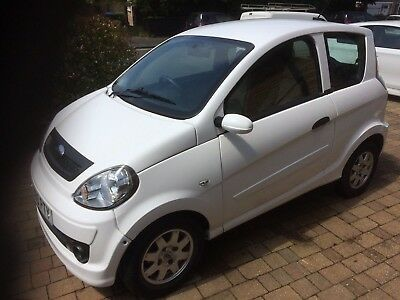 Microcar MGO 2010 White, Low Mileage