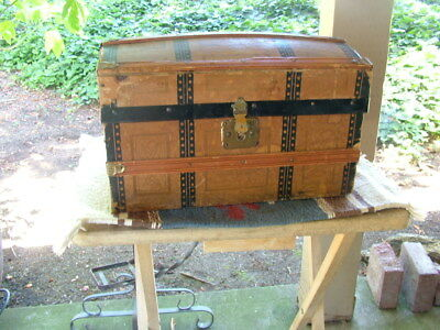 """Antique victorian doll trunk, with tray, 14"""""""