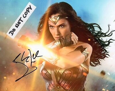 Gal Gadot Diana Prince Hand Signed 8x10 Photo Wonder Woman Autographed RARE