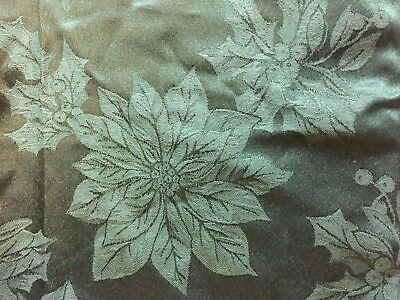 Christmas Damask Table Napkins Green Holly Leaves Poinsettia Set of 4 NEW 17x17