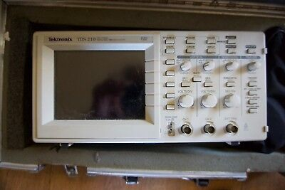 Tektronix TDS 210 Digital real time scope. Sold as seen