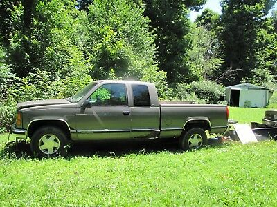 1998 GMC Sierra 1500 3 DOOR 1999 GMC 1500 5.7 VORTEX 4 WHEEL DRIVE OLD BODY STYLE
