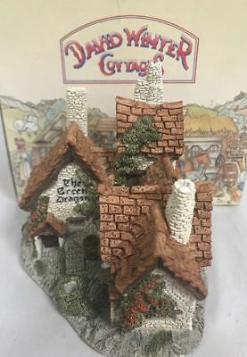 David Winter Cottages GREEN DRAGON PUB -New In box with COA