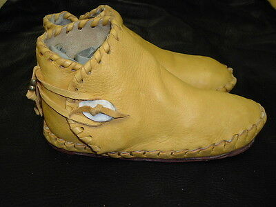 Buffalo Men's size 10 Moccasins Gold indian Leather Bison Hide Pueblo Style