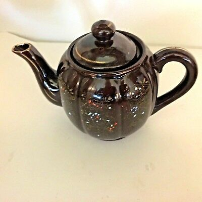 Vintage 4 Cup Moriage Teapot made in Japan Brown Betty Redware