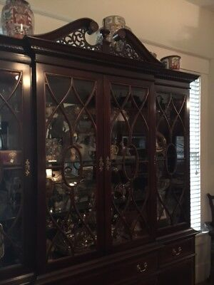 Traditional Mahogany Chippendale Style Dining Room Breakfront