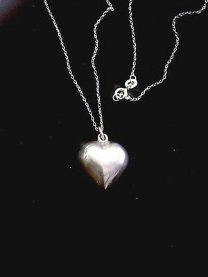 """Vintage 925 sterling silver 18"""" puffy heart pendant / necklace 3g. NICE!"""