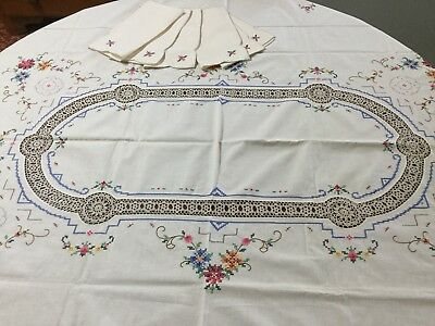 Large Vintage Cotton Cross Stitch Embroidered Roses & Crocheted Tablecloth