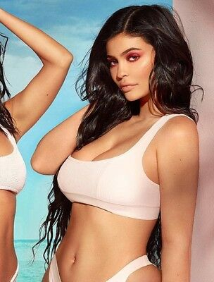 KYLIE  JENNER 8x10 Photo Image 1757