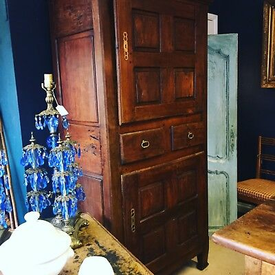 French 17th Century Oak Rustic Hall / Linen Cupboard