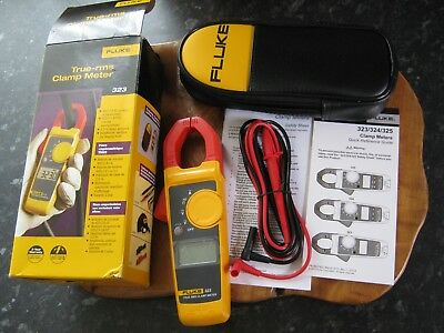Fluke 323 Digital Clamp Meter True RMS with Test Leads