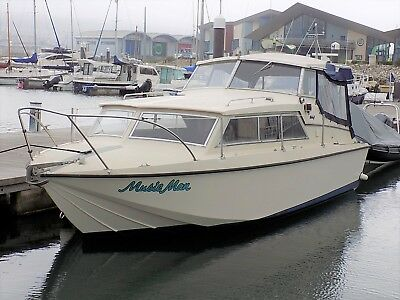Relcraft 23 Family Cruiser - Boat