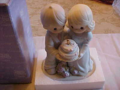 """Precious Moments 1995  """"a Year Of Blessing To Have And To Hold"""" Original Box"""