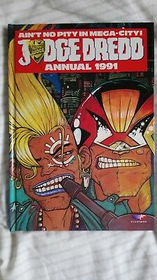 Judge Dredd Annual Book 1991 2000 AD Sci-Fi Comic IN VERY GOOD CONDITION