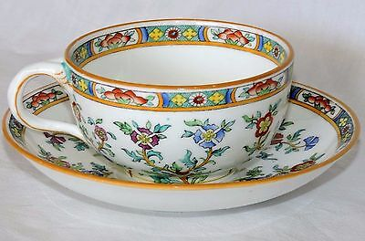 Tasse Et Sous Tasse A The English Porcelaine  Minton Vs 2837  En Parfait Etat