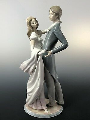 """Signed Lladro # 1528 """"I Love You Truly"""" Wedding Figurine Bride And Groom"""