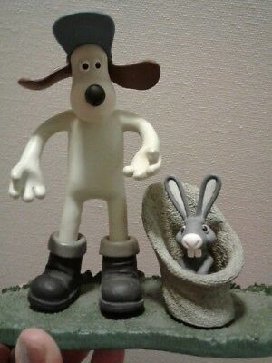 Gromit & Rabbit from Wallace And Gromit The Curse of the Were-Rabbit – McFarlane