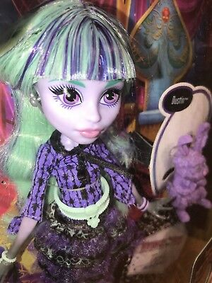 Monster High 13 Wishes Twyla - First Release - New/Sealed