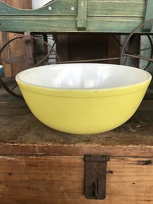 Vintage Pyrex Primary Yellow Mixing Bowl 4 Quart 404 Ovenware Large Nesting