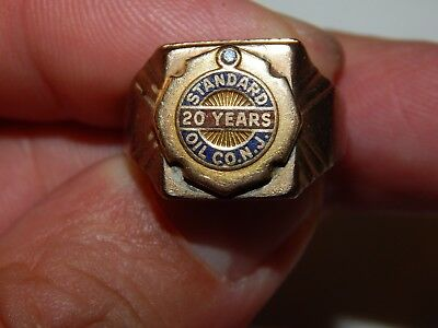 Vintage Standard Oil & Gas 10K Solid Yellow Gold & Ruby 20 Year Service Ring..