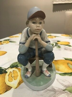 Authentic Signed & Numbered 6090 Lladro Baseball Player Retired No Reserve