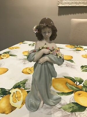 VERY RARE SIGNED Lladro #6346 Petals of Love in Original Box Mint VT2041
