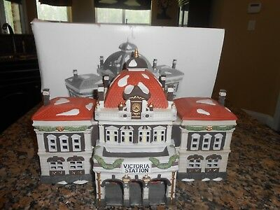"Dept. 56 New Dickens Village ""Victoria Station"" With Box& Sleeve!"