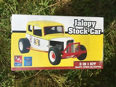 2008 New Sealed AMT '32 FORD VICKY JALOPY STOCK CAR 3-in-1 Customizing Kit 1:25