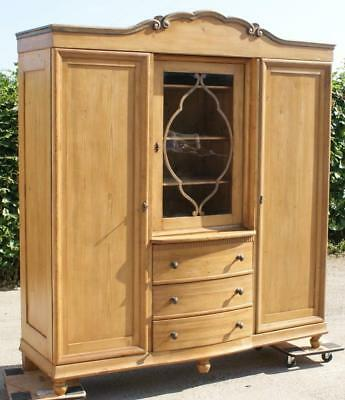 EARLY 20th CENTURY LARGE ANTIQUE DUTCH SOLID PINE WARDROBE / ARMOIRE