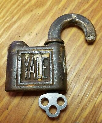 ANTIQUE/VINTAGE YALE PUSH KEY PADLOCK w/KEY WORKS