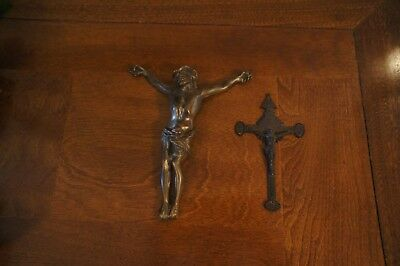 Small bronze crucifix with suspension hole and Corpus Christi - 16th century