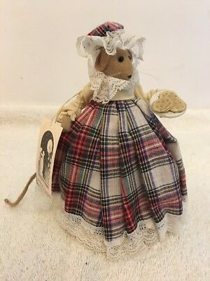 Diane Freeman Handmade In England Cloth Mouse Figure Woman With Cookies Catniona