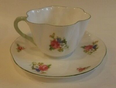 English Shelley Cup & Saucer, Dainty Shape, Hulmes Rose Pattern