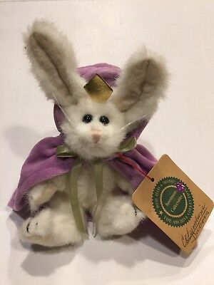 Boyds Bears Investment Collectibles Archive White Bunny Rabbit w/Cape & Crown