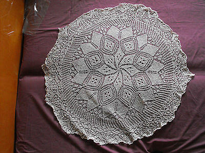 #1068  Beautiful Vintage Hand Made Tablecloth  115cm(45'')